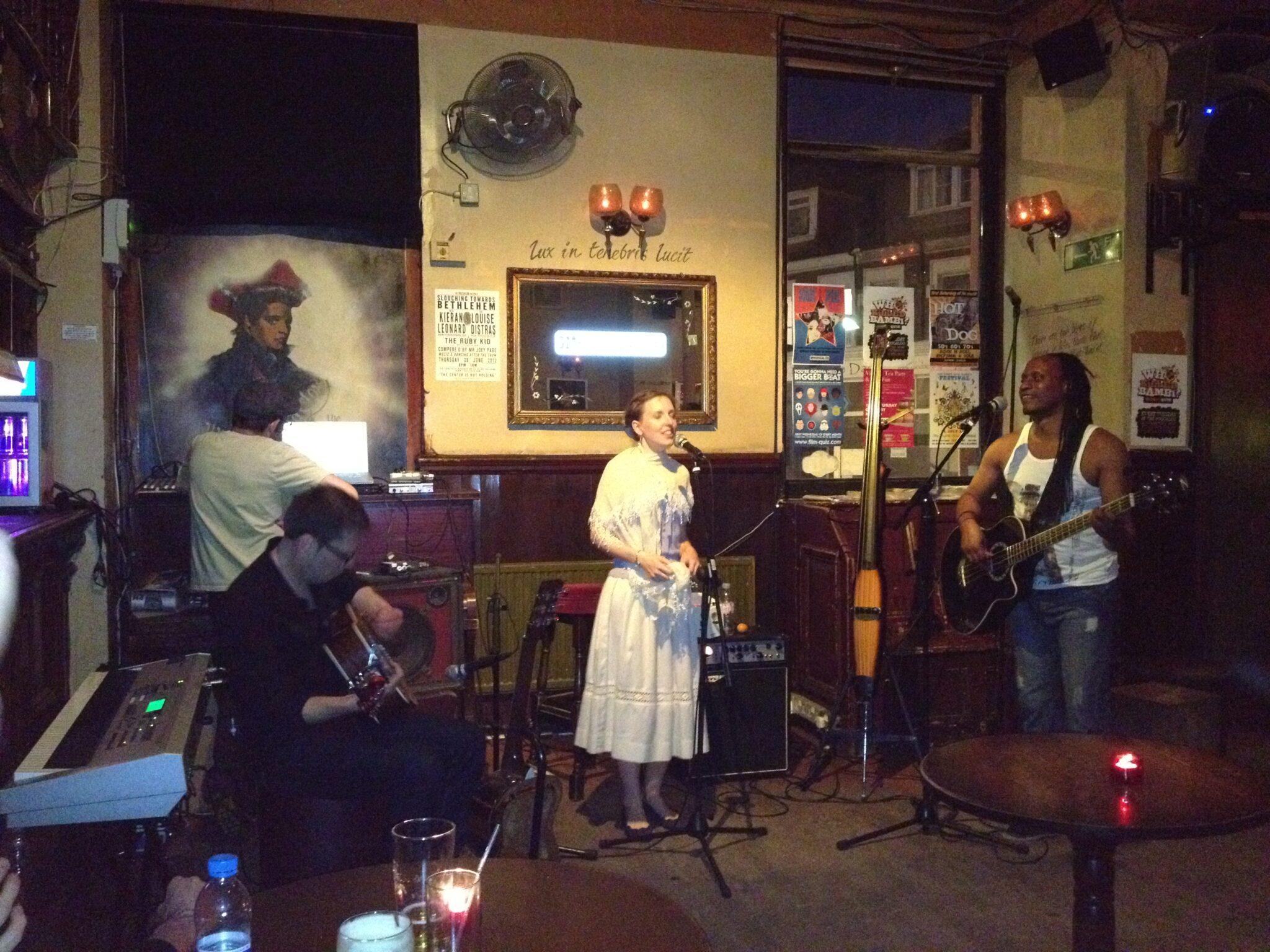 Breton Girl Wendy Lewis at Boogaloo